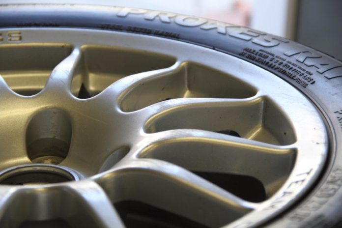 Tuning Tires - Tracking tire temperatures and tuning your
